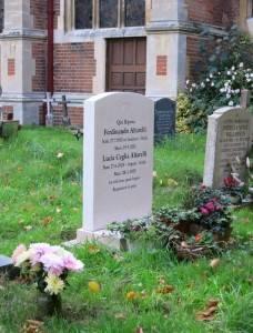 Lucia's headstone in Bungay - in Italian